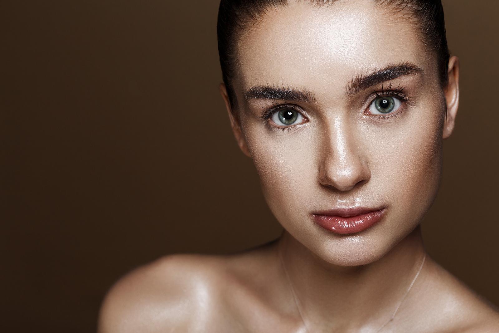 Strobing Kosmetik Trend