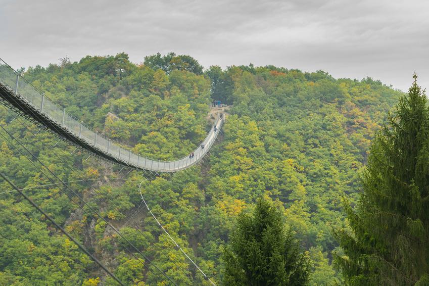 längste Hängebrücke der Welt @Svitkovskaja, fotolia